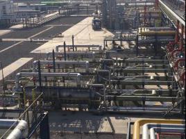 """中圣压力容器公司承制的中石化""""天津LNG二期项目IFV气化器""""现场安装顺利完成"""