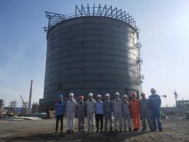 东华科技山西美锦华盛乙二醇项目LNG储罐顺利落罐
